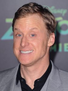 Alan Tudyk as Captain Hah Re / Dr. Harry Vanderspeigle