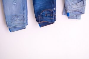 5 Easy Ways To Shrink Jeans